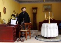 Dickens dollhouse